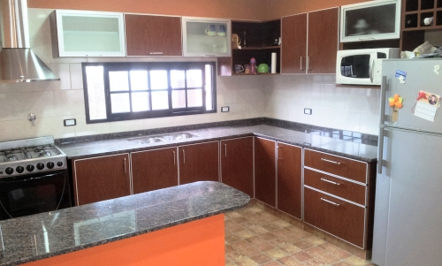 Melamina con bordes de aluminio muebles de cocina a for Ver amoblamientos de cocina