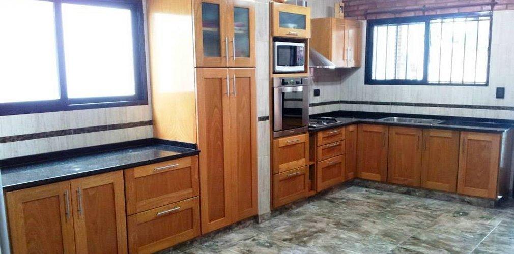 Mesadas en marmol granito y piletas valerio amoblamientos for Rubro 7 muebles de cocina
